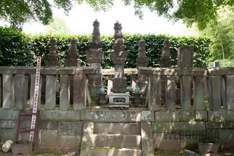 牧野家墓地(養林寺)