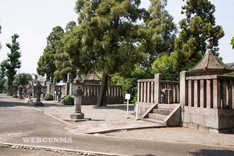 前橋藩主酒井氏歴代の墓地