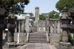 酒井忠挙の墓