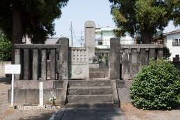 酒井忠相の墓