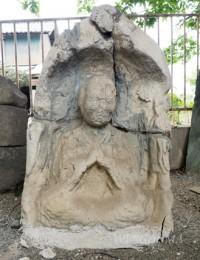 建長石仏 (右側)