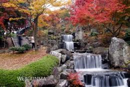 桜山公園の人工の滝