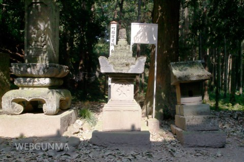 金剛寺の宝篋印塔