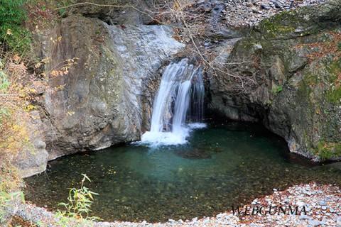 蛇ッ剣の滝(南牧村)