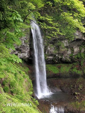 裏見の滝(みなかみ町)全景
