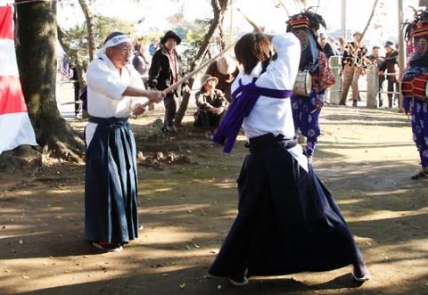 東新井の獅子舞 棒術