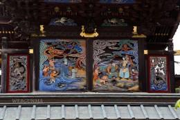 雷電神社本殿背面の彫刻