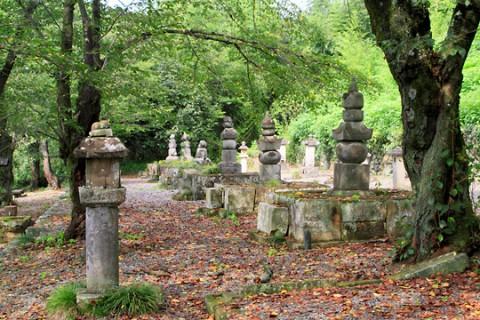 織田家七代の墓