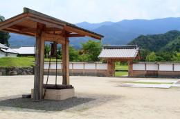 楽山園庭門と井戸