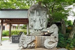 不動明王像の手水場