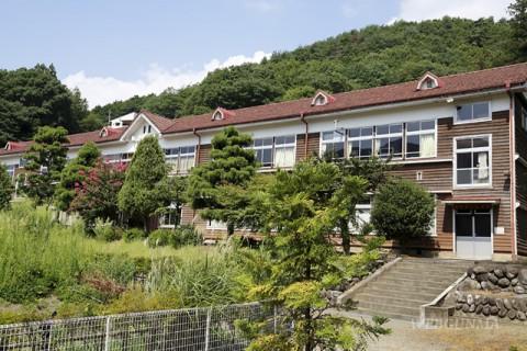 旧花輪小学校遠景