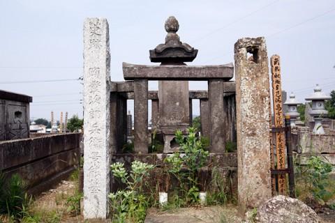 岡上次郎兵衛景能の墓