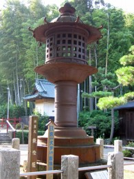 太田市 世良田東照宮 鉄燈籠