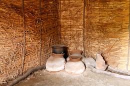 中筋遺跡平地式住居内展示
